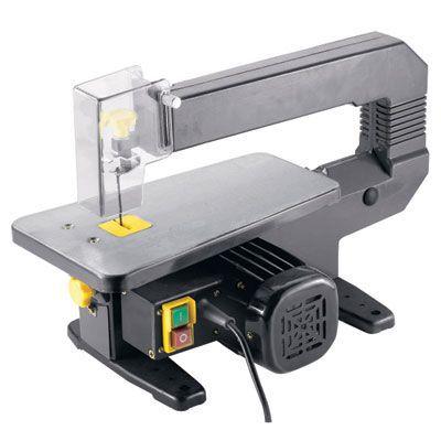 Scie à chantourner 85 W. 1440 cps/min. Hauteur de coupe maxi 40 mm. Col de signe de 330 mm.Table inclinable de 0 à 45°.Pour la découpe des pièces de détail. - Garantie : 1 AN - Normes : CE -