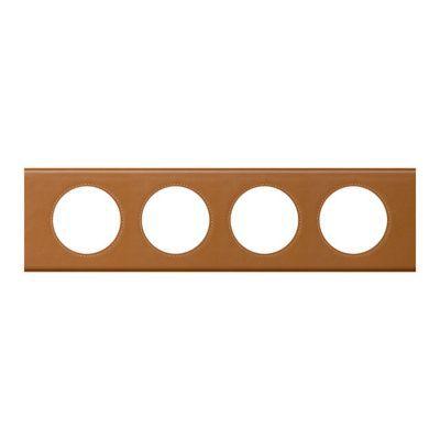 Plaque Céliane 4 postes Matière Cuir Caramel. Personnalisez votre intérieur avec un large choix de couleurs et matières de plaques décoratives Céliane. Fonction / type : Plaque quadruple - Usage du produit : Plaque de finition décorative - Finition : LES