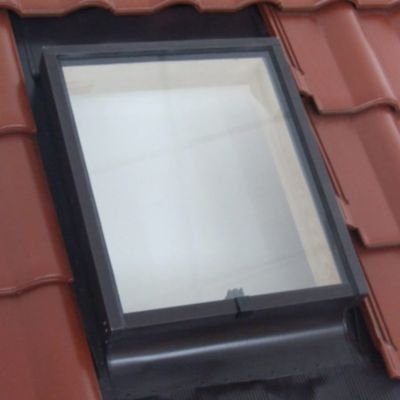 lucarne de toit ouvrant haut geom aero double vitrage 45 x cm castorama. Black Bedroom Furniture Sets. Home Design Ideas