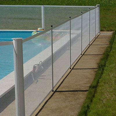 Barri re de s curit pour piscine 1 10m kit b castorama for Piscine barriere