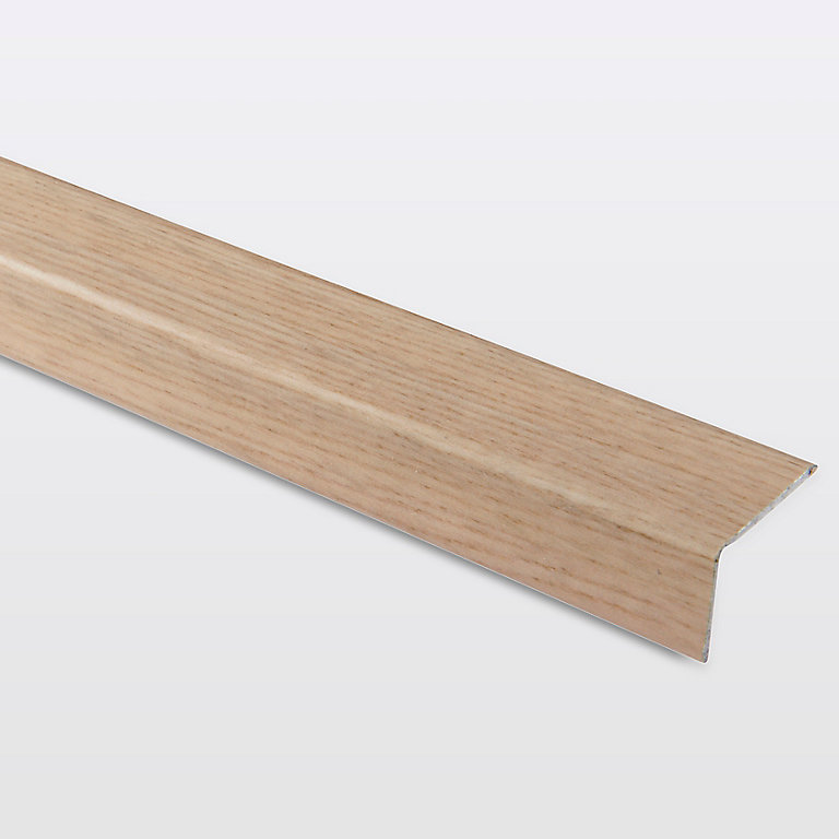 Nez de marche en aluminium décor chêne naturel GoodHome 35 x 25 x 1800 mm.