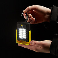 Torche LED 2 fonctions jaune Diall 220 lumens