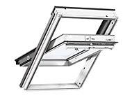 Fenêtre de toit à rotation VELUX Triple vitrage - Whitefinish (bois peint en blanc) L. 114 x H. 118 cm (GGL 2062 SK06)