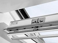 Fenêtre de toit à rotation VELUX Confort Whitefinish - bois peint en blanc L. 78 x H. 140 cm (GGL 2076 MK08)