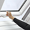 Fenêtre de toit à projection Velux GPL Tout confort blanc SK06 114 x 118 cm