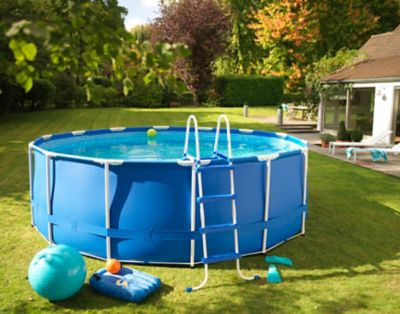 dalle piscine castorama perfect carrelage exterieur piscine margelle manoir et angle bradstone. Black Bedroom Furniture Sets. Home Design Ideas