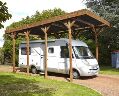 Le carport, simple et discret