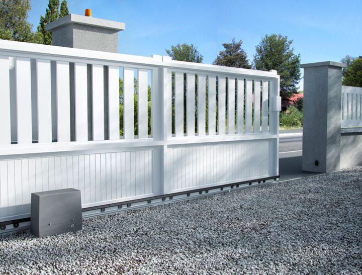 Choisir des quipements domotiques castorama for Ouverture porte de garage avec smartphone