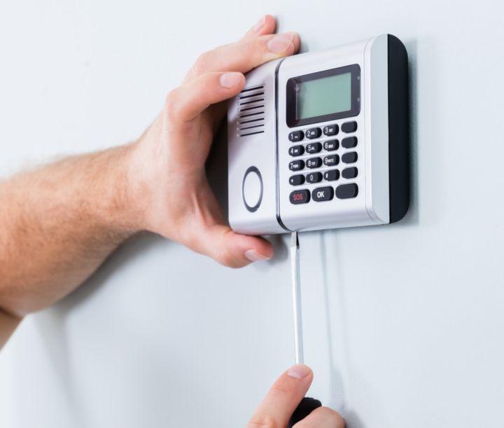 Comment poser une alarme sans fil castorama for Alarme garage sans fil