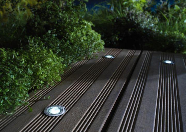 comment encastrer des spots ext rieurs castorama. Black Bedroom Furniture Sets. Home Design Ideas