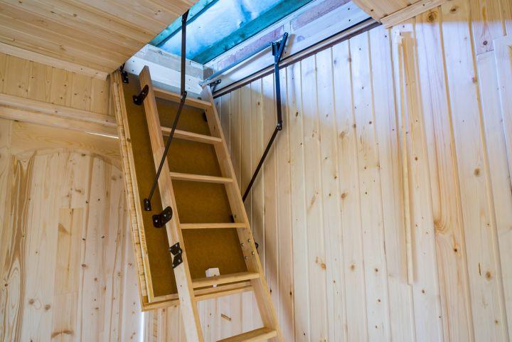 comment poser un escalier escamotable castorama. Black Bedroom Furniture Sets. Home Design Ideas
