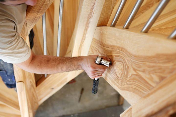 Comment poser un escalier quart tournant | Castorama