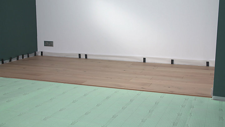 comment poser un parquet flottant castorama. Black Bedroom Furniture Sets. Home Design Ideas