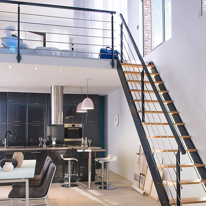 bois et m tal pour une mezzanine industrielle castorama. Black Bedroom Furniture Sets. Home Design Ideas