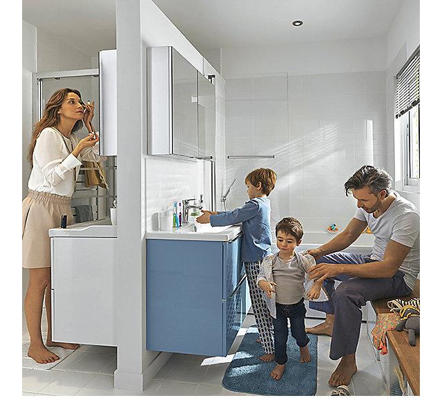 une salle de bains familiale de 8m castorama. Black Bedroom Furniture Sets. Home Design Ideas