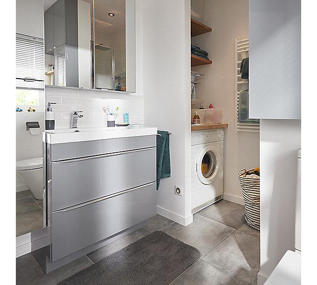 Une salle de bains compacte de 4,7M² | Castorama