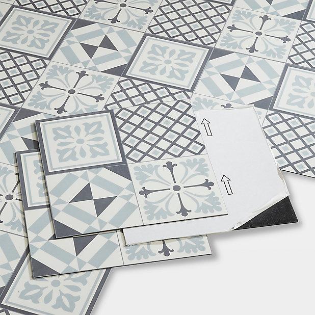 Dalle Pvc Adhesive Carreaux De Ciment Noirs Et Blancs Poprock 30 X 30 Cm Vendue Au Carton Castorama