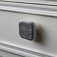 Poignée bouton céramique carreau ciment géométrique noir