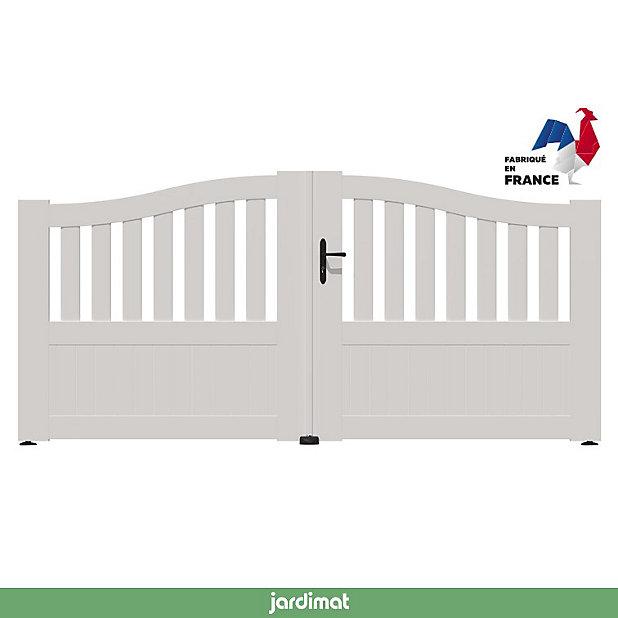 Portail Jardimat Pvc Arlay Chapeau De Gendarme Blanc 9016 300 X H 120 140 Cm Castorama