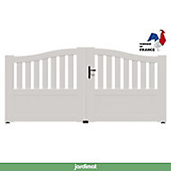 Portail Jardimat pvc Arlay chapeau de gendarme blanc 9016 - 350 x h.120/140 cm