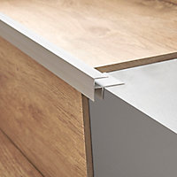 Profilé de rénovation de marche en aluminium décor métal mat GoodHome 16 x 25 x 900 mm.