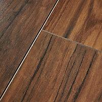 Sol stratifié à clipser Bannerton brun 8 mm - L.129 x l.19.4 cm