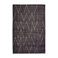 Tapis Graphic chevrons anthracite 150 x 200 cm