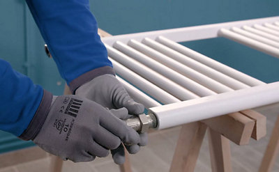L'installation d'un sèche-serviettes de chauffage central